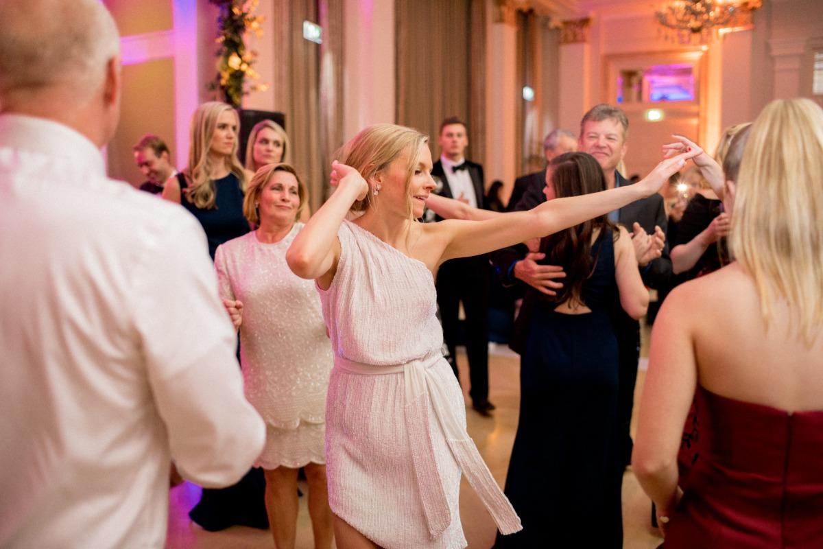 Second bridal dress for dance floor