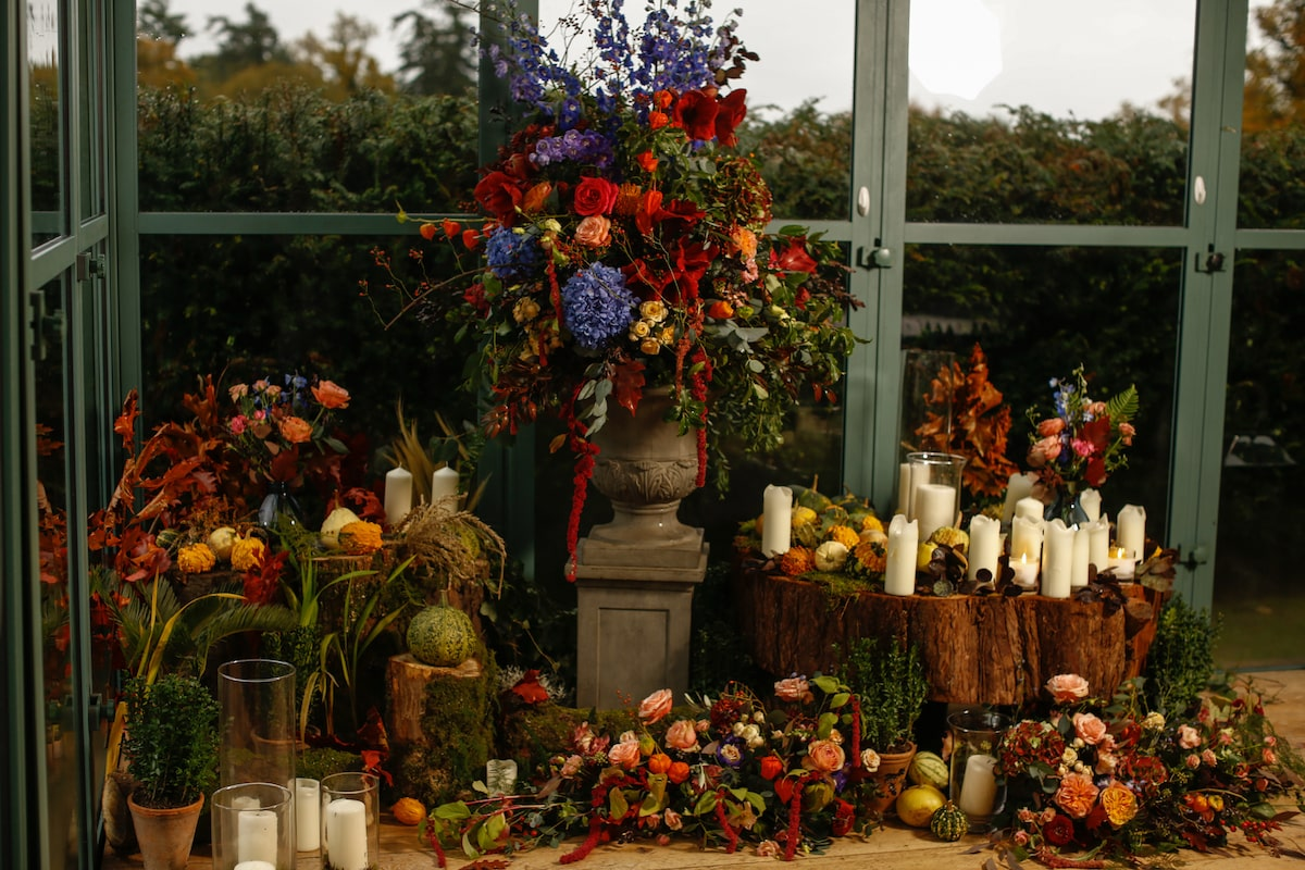 fall floral vignette at Virginia Park Lodge wedding