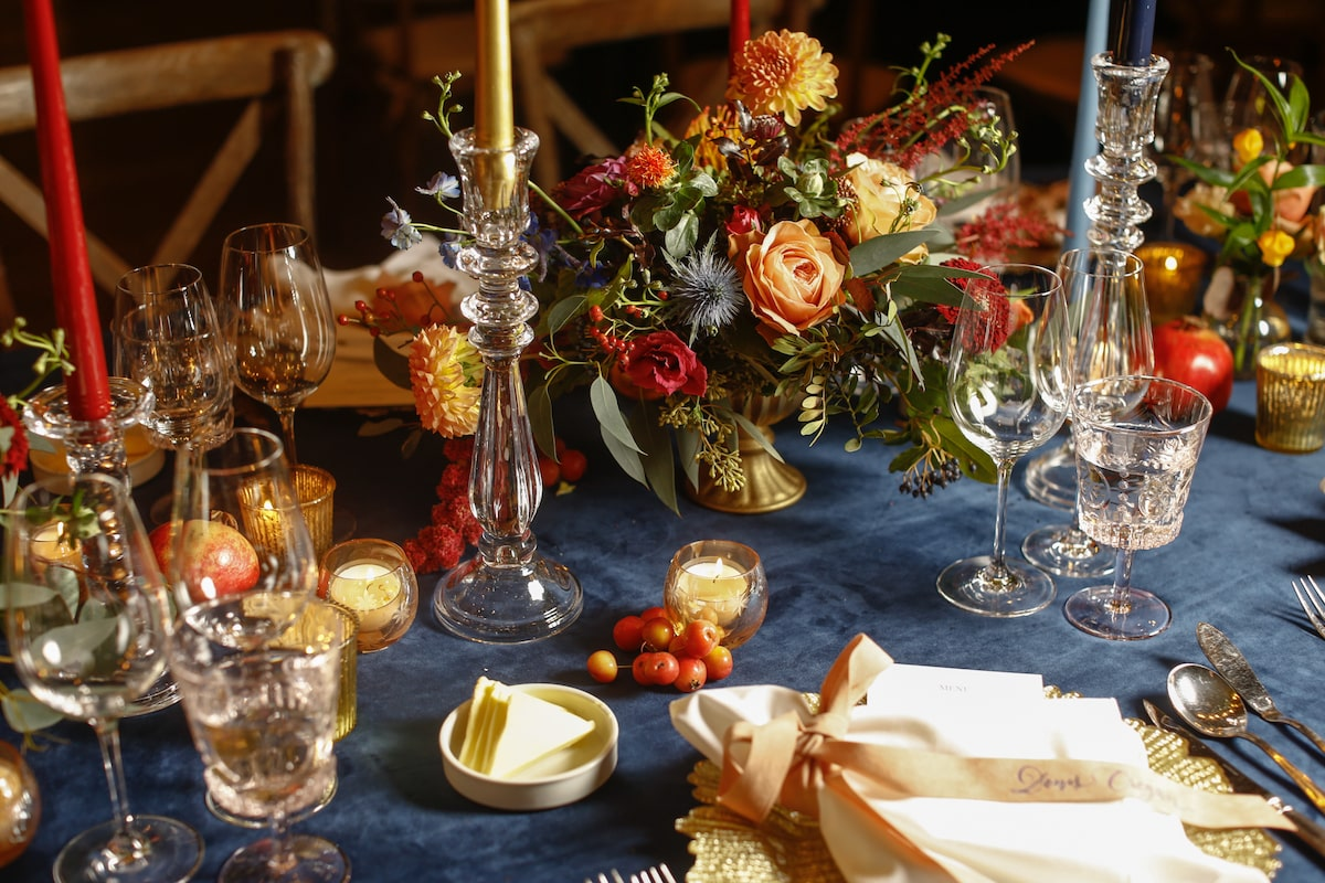 Virginia Park Lodge autumnal wedding table décor fruits and flowers