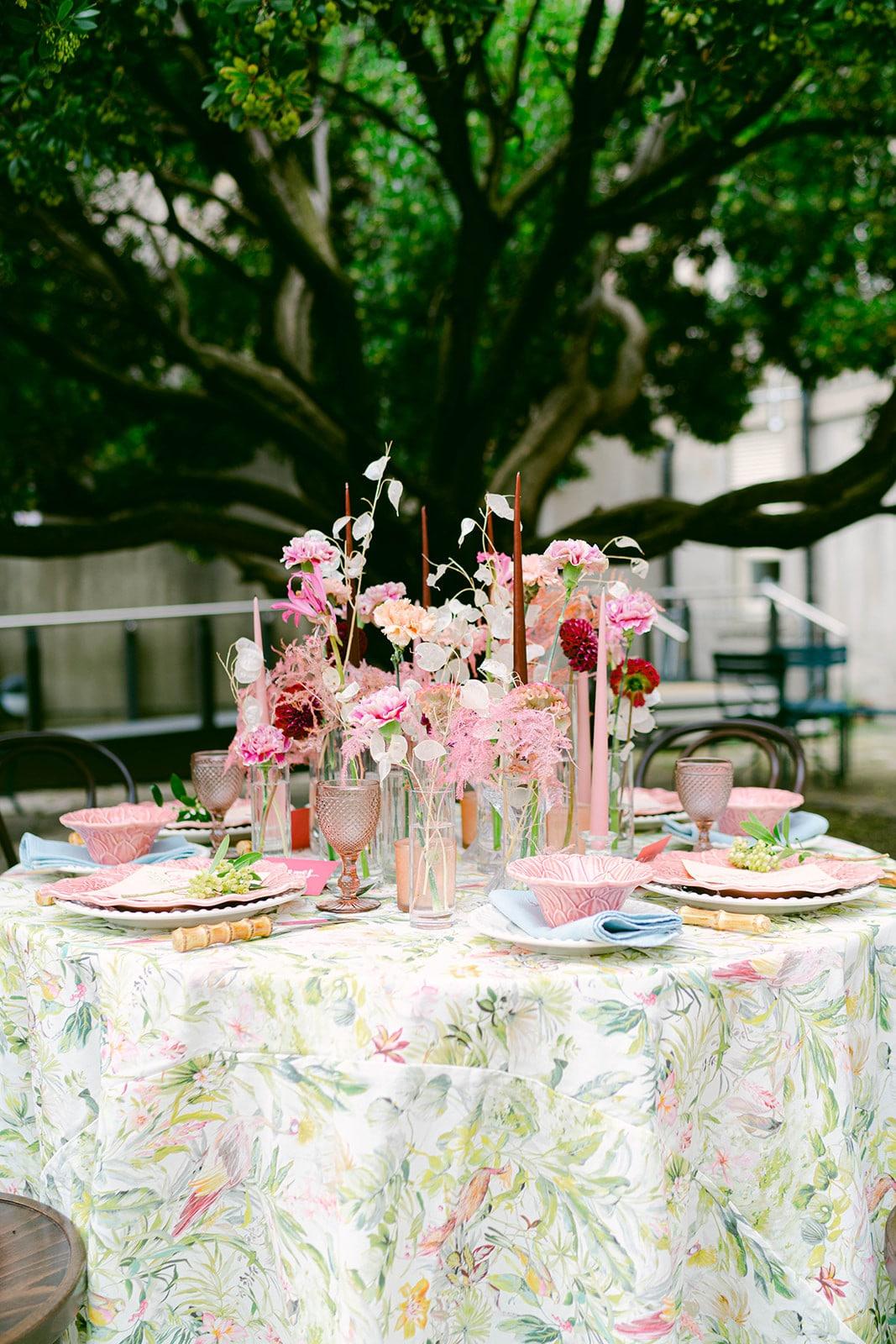 MoLI courtyard wedding reception table