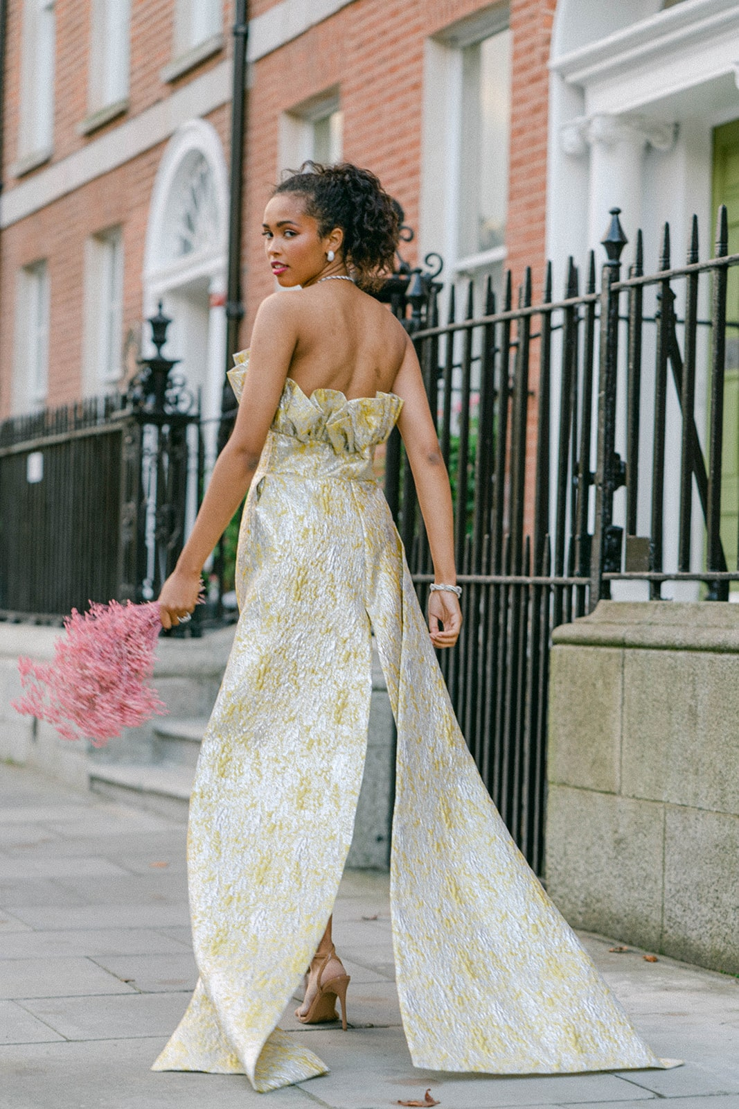 city bride with pink astilbe bouquet