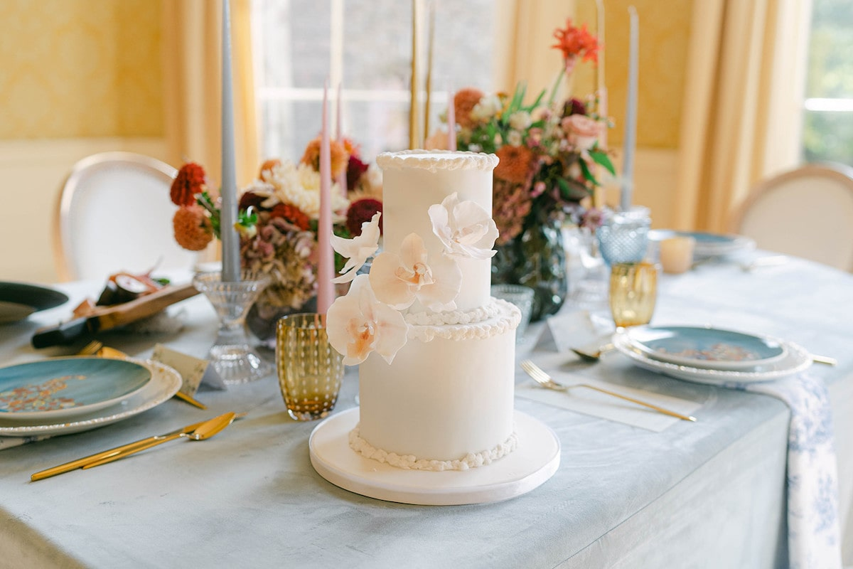Contemporary Vintage Bridal Style at the Museum of Literature Ireland Wedding Venue