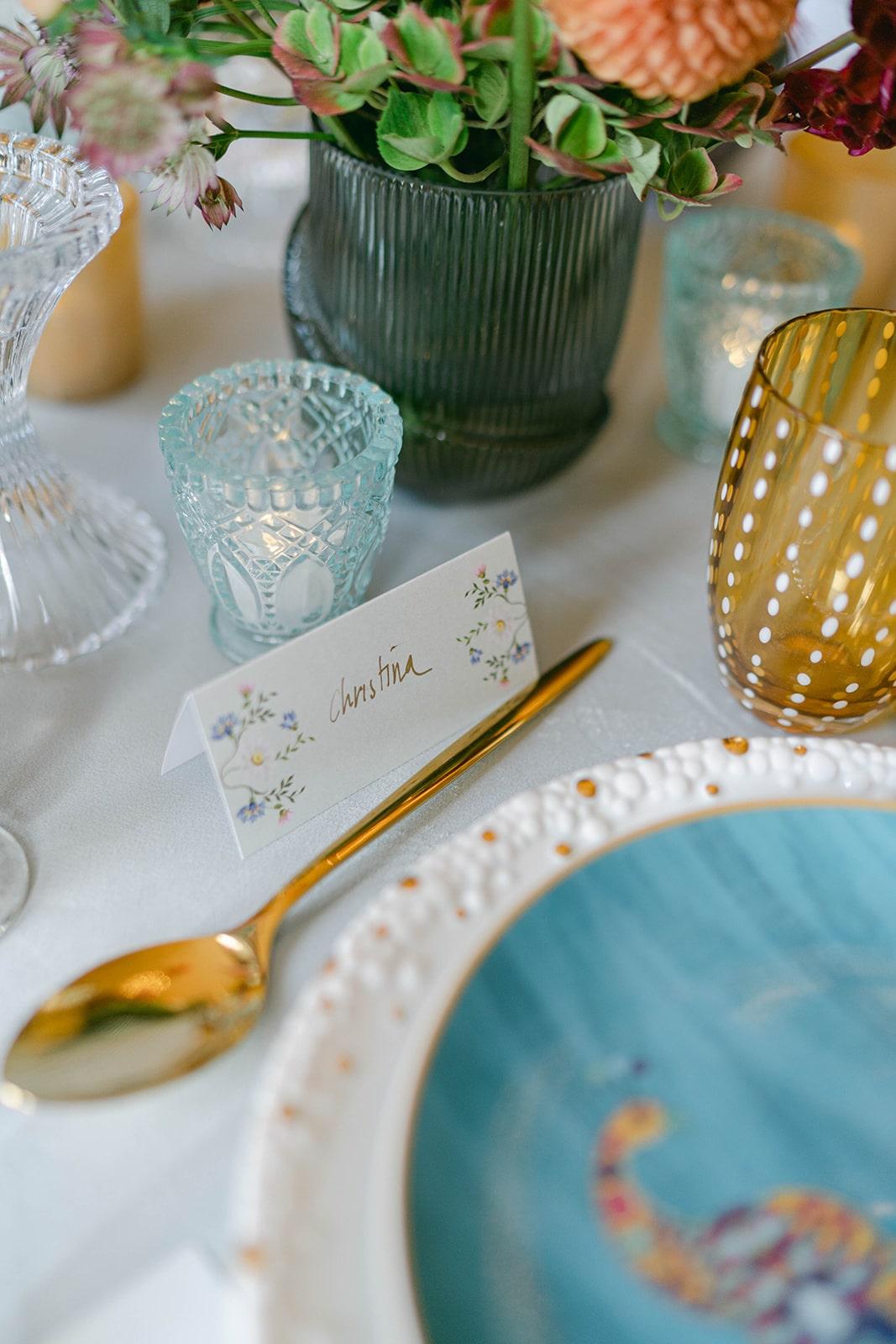 floral place card wedding table décor