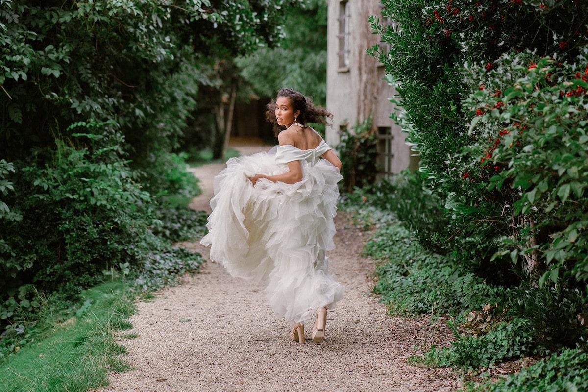 Literary Wedding Inspiration for a Romantic Dublin Destination Wedding