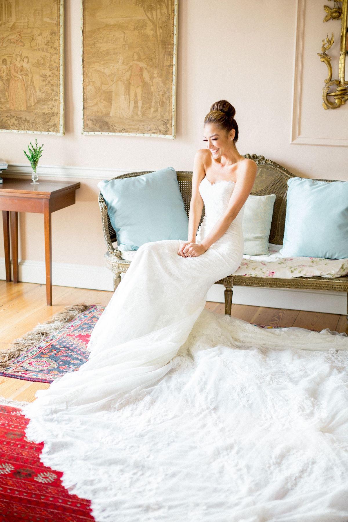 Gloster House wedding bride