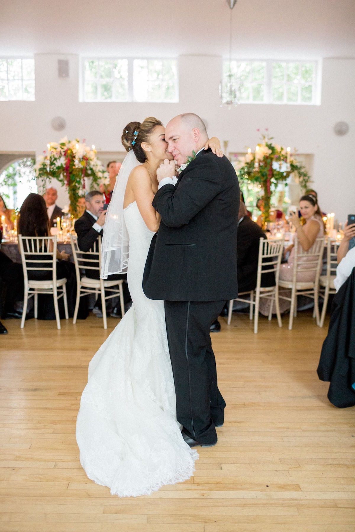 Gloster House wedding first dance
